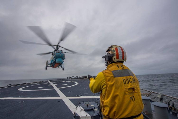 ВМС України таесмінець США провели спільні тренування