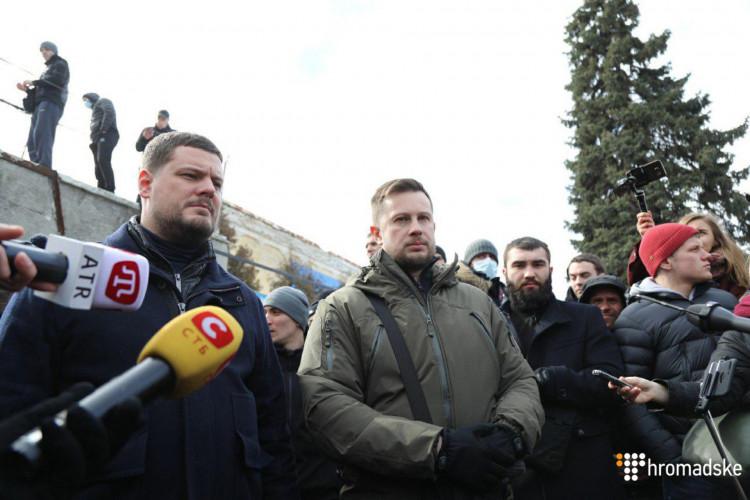 Націоналісти Білецького заблокували спецпризначенців, що увірвалися на їхню базу (ФОТО)