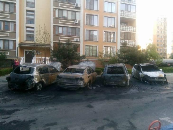 ВОдесі настоянці згоріли чотири машини