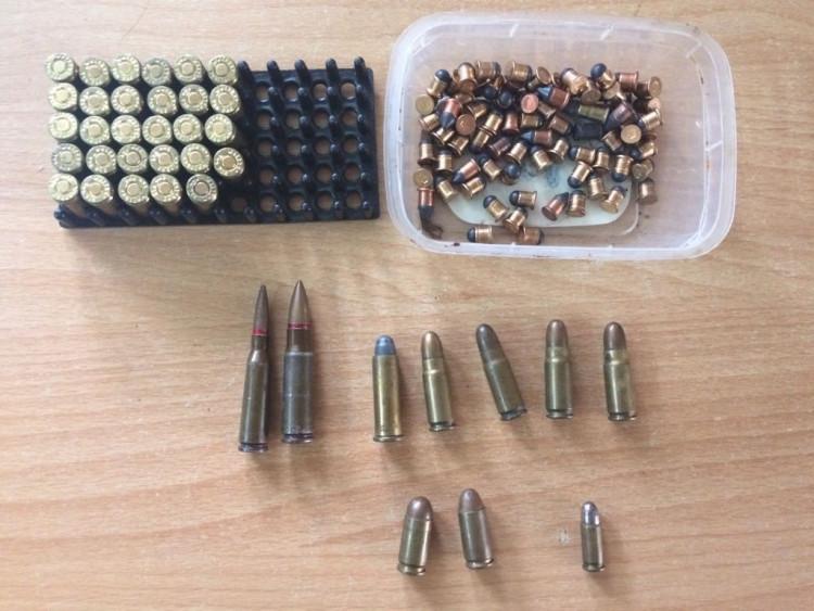 На Херсонщині зупинили мешканця Криму з арсеналом в машині